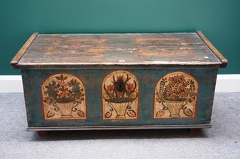 19c Painted Trunk