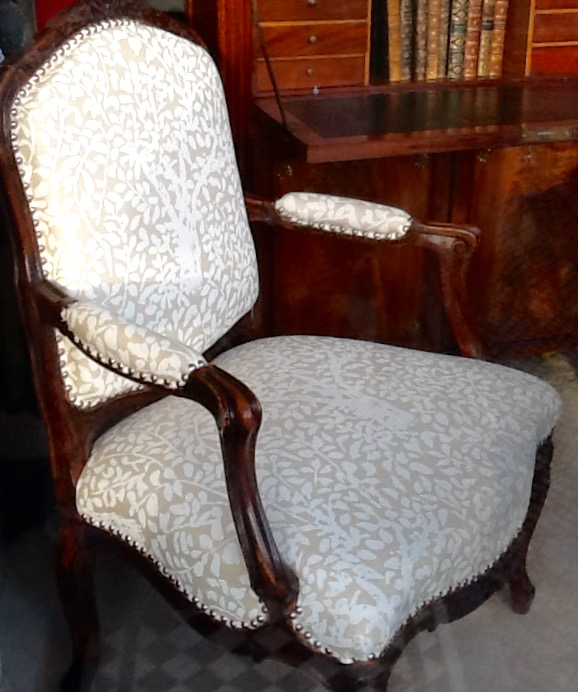 French Open-arm Chair